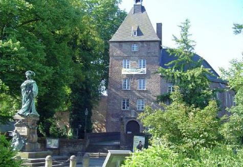 Schloss-Moers